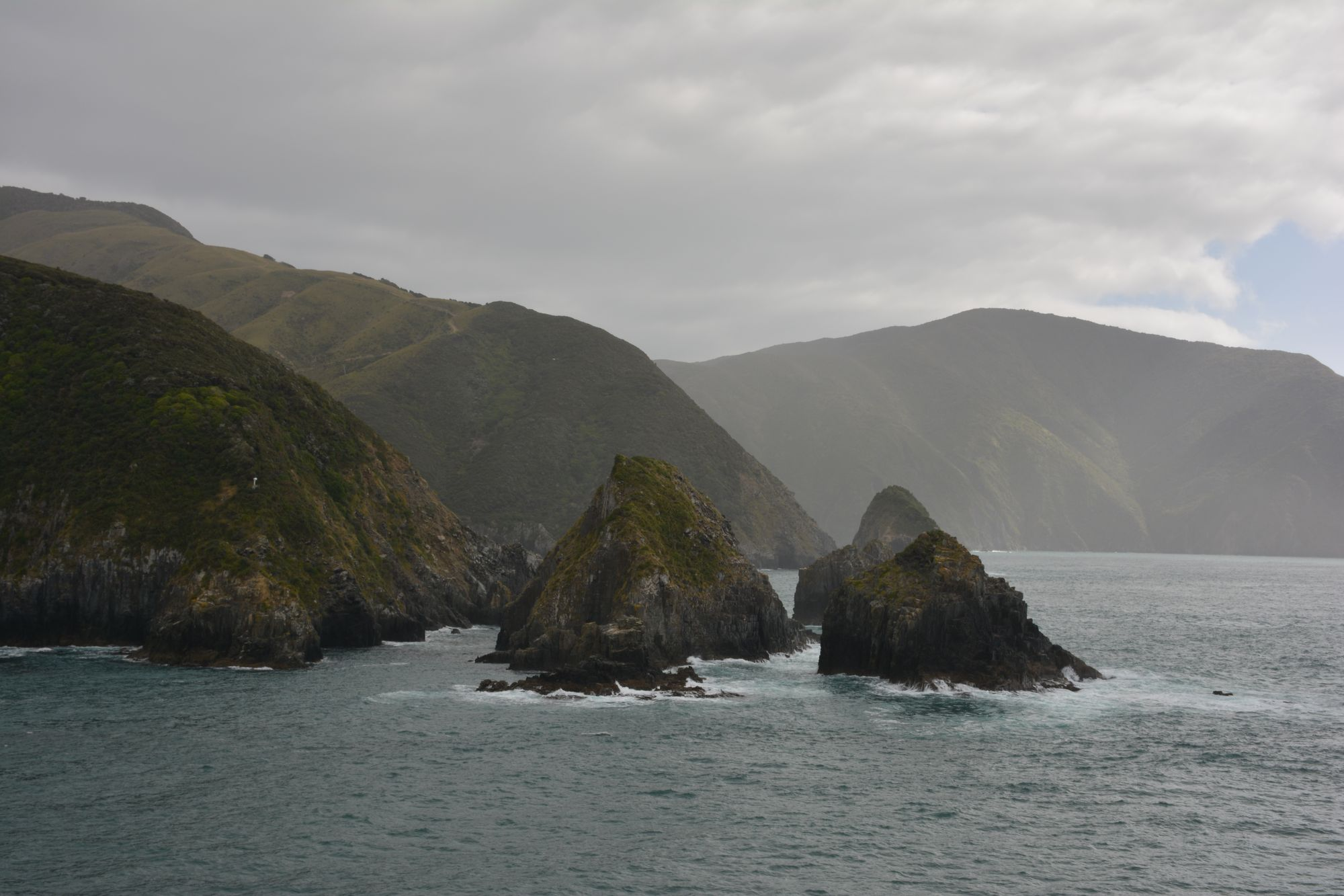 Sea and mountains in Cook Strait